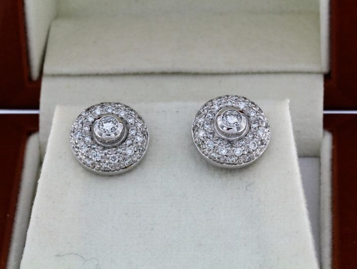 Earrings in 18kt white gold+ diamonds