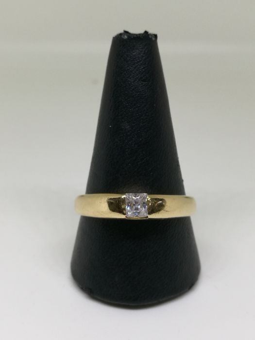 Ring - 18 kt (.750) gold - Size: 27 - Synthetic gemstone