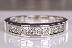 0.81 Ct magnificent diamond row ring - Size: 51 - No Reserve !