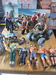 Big lot off Action man merchandise: With Quads, bicycle, mini submarines, weapons, skateboard,e tc plus 13 Action man figures and bad guys