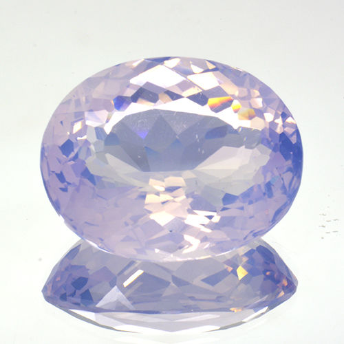 Lavender amethyst with 'opal effect' - 20.59 ct