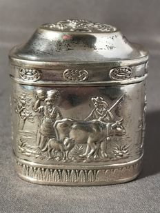 Silver perfume box, probably Neresheimer, Germany, Hanau, late 19th century