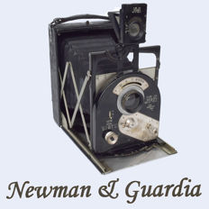 "Extremely rare Newman & Guardia ""New Ideal SIBYL"" 3.25 x 4.25 plate camera"