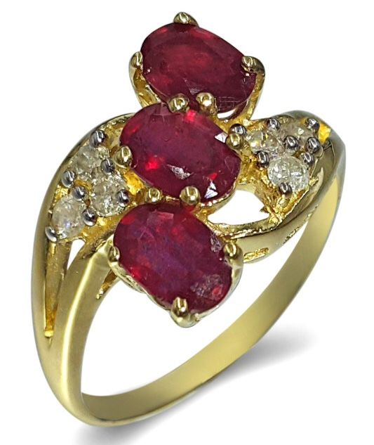 14kt Yellow Gold Ring Ruby - size 7