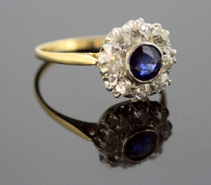 Antique 18K Gold Shank and Platinum Crown Ladies Ring With Diamonds (0.80 CT Total) and Blue Sapphire (0.50 CT) Circa.1930's