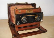 Antique wooden stereo camera, beautiful collectible
