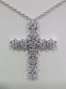 Necklace with cross in 18 kt gold and diamonds totalling 1.20 ct