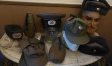 Lotje diverse Oost -Duitse militaria