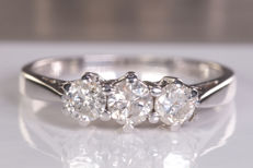 0.50 Ct magnificent, trilogy diamond ring - Size: 50 - No Reserve price!
