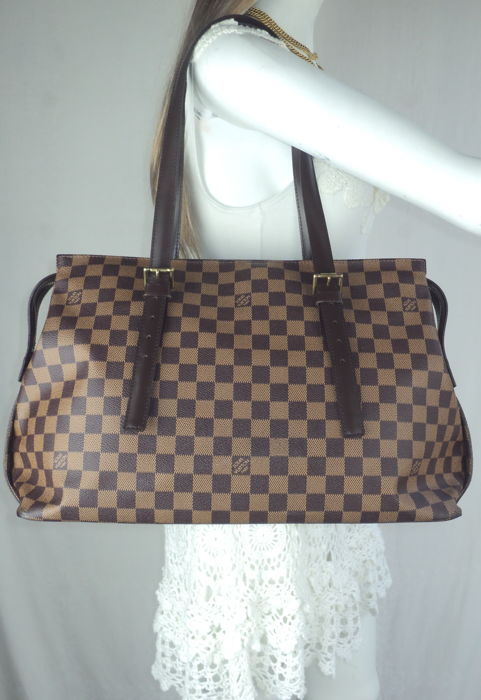 b7c12f040a0e Louis Vuitton - Damier Ebene Canvas Chelsea Tote Bag - Catawiki