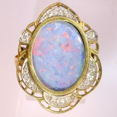 Vintage gold brooch with hidden locket set with grand opal and diamonds - circa 1940