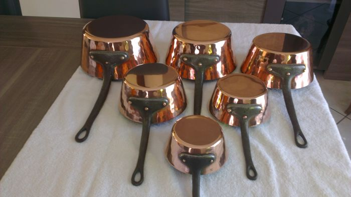 Set of six hammered solid copper saucepans MADE IN FRANCE of very nice quality