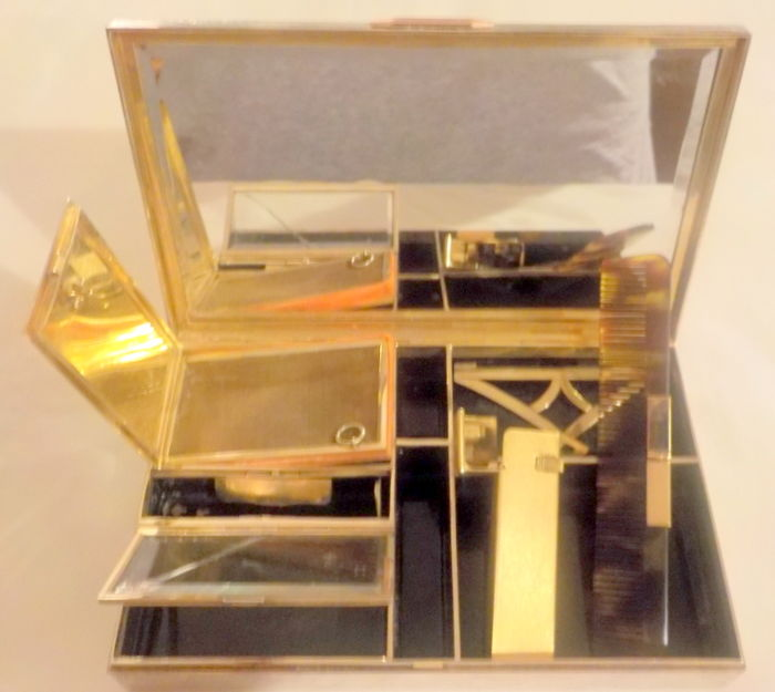 1950 goldplated metal travel trousse finished with zigrinature  - Art  Deco'  revival - early '50s