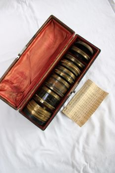 Trousse Hermagis with 7 lenses in very good condition and  iris diaphragm !
