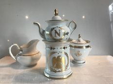 Porcelain Empire Tea set gilded with fine gold - Tea pot - Milk pot at milk - Sugar pot - heraldic eagle pattern, N of Napoleon and the laurel wreath
