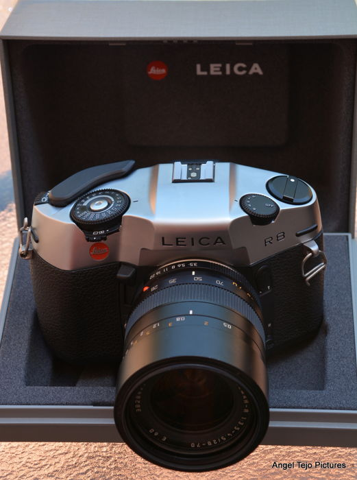 Very complete Leica equipment R8 + 2 lenses 28-70 VaRio Elmar and - 135/2,8.