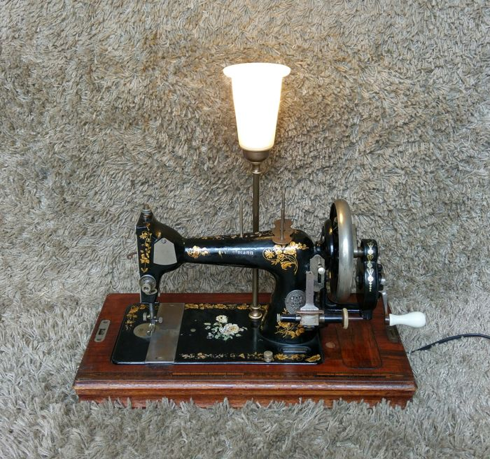 Winselmann - Antique Sewing Machine with Table Lamp Lighting - 1920s - Germany