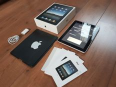Apple iPad 1, 16GB (A1219) with original Apple cover, original box, booklets, charger, etc