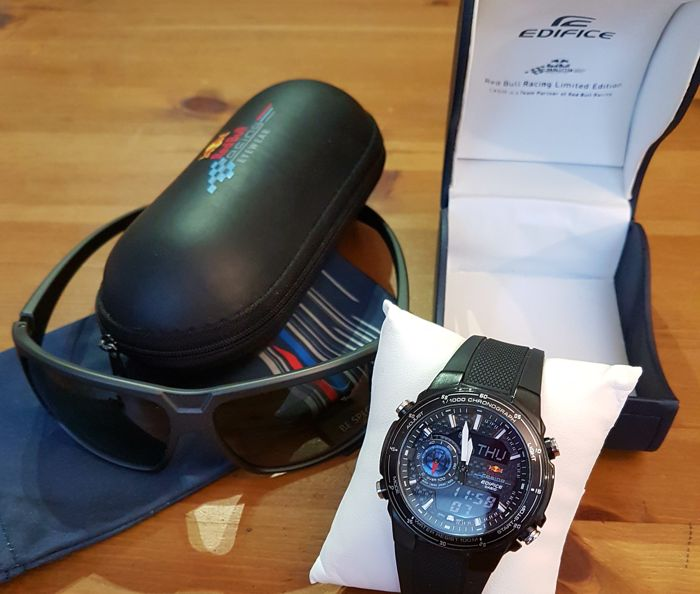 red bull casio uhr limid edition und red bull sonnenbrille. Black Bedroom Furniture Sets. Home Design Ideas
