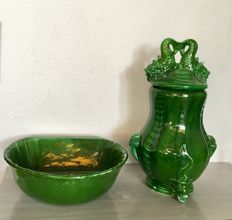Fountain - Ceramics from Manises - Garden or Yard. Registry and Seal on the base.