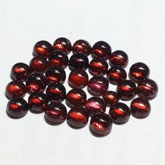 lot of fine Garnet round Cabochons - 24.87 ct (30)