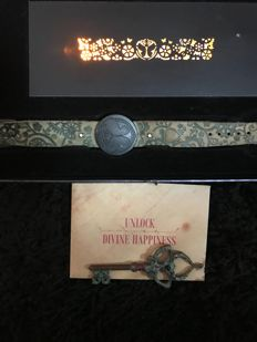 Tomorrowland enterance/limited bracelet + box