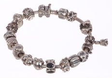 Pandora silver bracelet with 17 charms - 20 cm