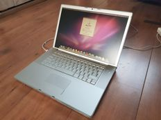 Apple Macbook PRO (A1150) - 15''inch, 2,0Ghz INTEL Dual Core, 2GB Ram, 120 GB HD, incl. charger!