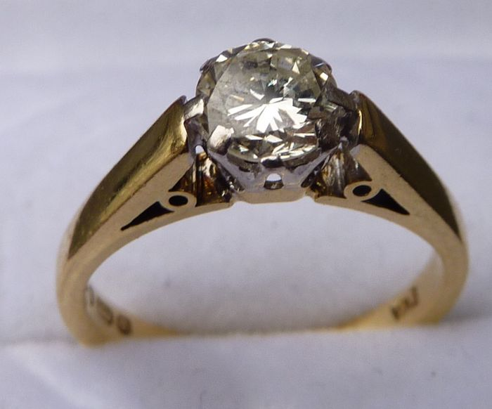 solitaire diamond brilliant cut