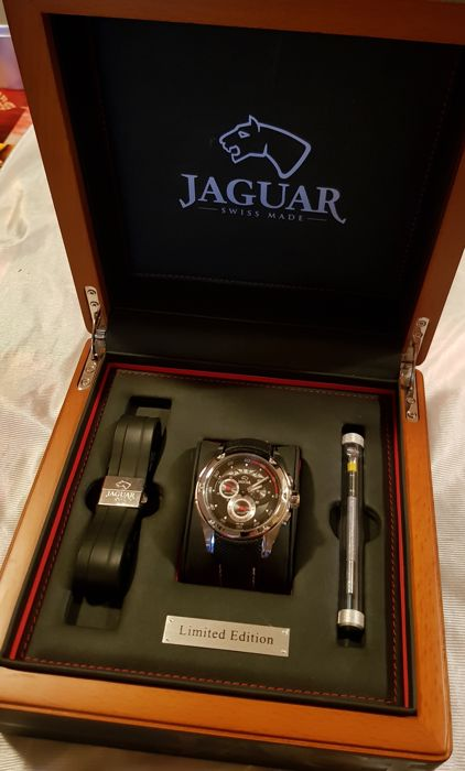 coffret montre jaguar montre homme made in suisse 2016. Black Bedroom Furniture Sets. Home Design Ideas