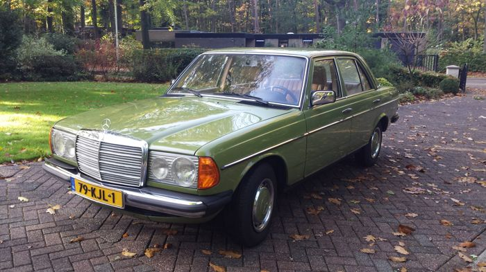 Mercedes Benz- W 123 sedan 1981 type 200 D