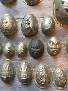 70 pieces: old Easter egg moulds, early 1900