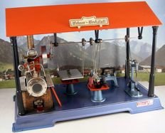 Wilesco, Germany - Height 32 cm - Steam engine Werkstatt D141 with four tools, recent