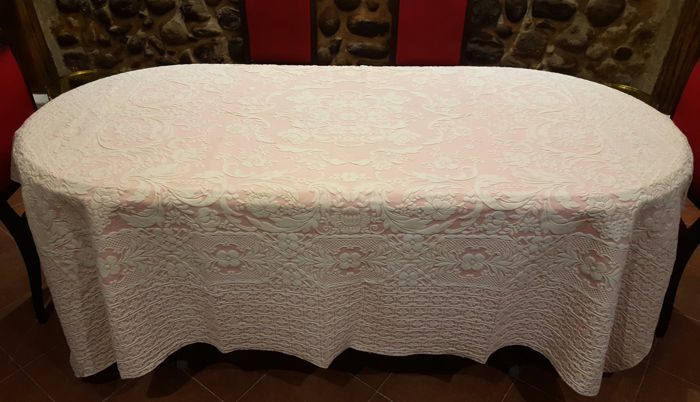 Tablecloth For 6/8 People In Pink And White Cotton Damask   245 Cm X