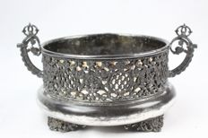 Antique silver-plated jardinière manufactured by Toronto Silver Plate Company