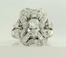 Pt ring, set with 3 old Amsterdam cut and 38 single cut diamonds, approx. 1.00 carat in total