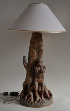 Sculpture - Fantasy style Lamp - red painted ceramic - 1985 - Signed with initial TR (Roberto Todini) - Fantastic style depicting a flute playing Faun with a tree and an owl