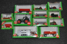 Siku - Scale 1732 - Lot with 12 tractors / agricultural machines