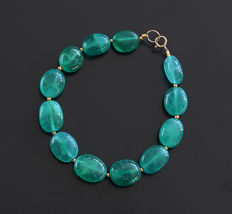 Bracelet in polished emeralds with 14 kt clasp - 20.9 cm - 120 ct
