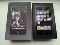 Apple iPod Touch 1st generation - 16GB - Model A1213 - In original box with documentation, Apple stickers, USB cable, cleaning wipe, etc