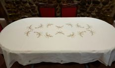 Rectangular hand embroidered tablecloth for 6/8 persons - Dimensions:  230 x 150 - No reserve