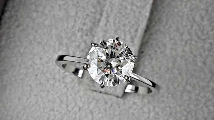 1.76 ct  round diamond ring made of 14 kt white gold - size 7