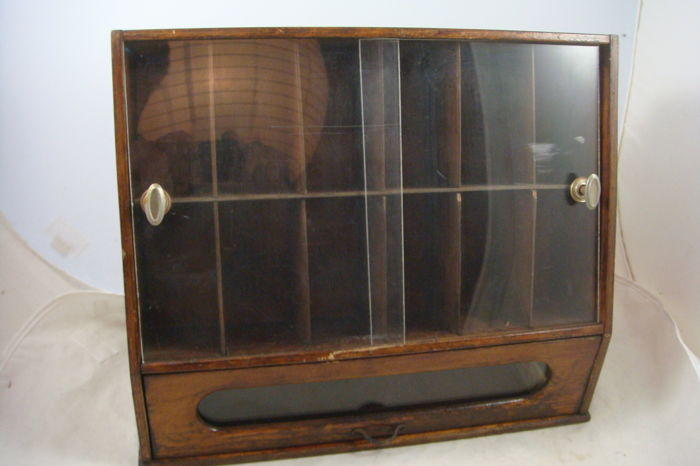 Antique sewing thread cabinet - Antique Sewing Thread Cabinet - Catawiki