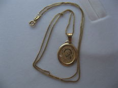 14 kt gold necklace and pendant