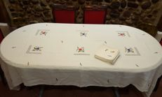 XL rectangular tablecloth for 10/12 people made by hand with embroidery and frayed pattern - 9 napkins - 300 x 150 cm