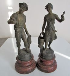"2 sculptures after Henryk Kossowski (1855-1921) couple ""at the good fountain"", 20th century"