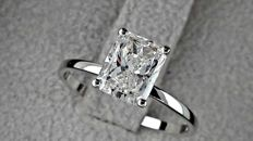 1.45 ct radiant solitaire diamond  ring 14 kt in white gold - size 7