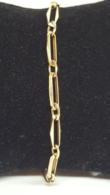 14 kt yellow gold women's close4ever bracelet.