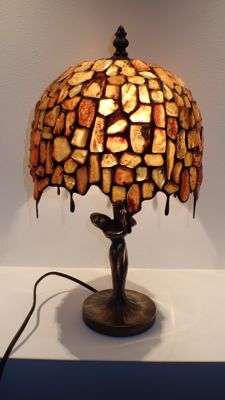 Baltic Amber lamp with insects inclusions, perfectly made, certificate, 2000 grams