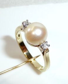 14 kt / 585 gold ring with 2 diamonds / brilliant cut 0.10 ct + 1 Akoya saltwater pearl